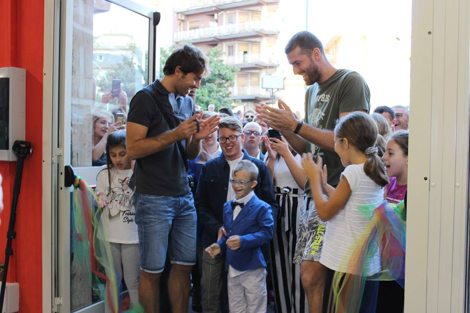 La Top Volley Latina ha partecipato all'inaugurazione della nuova sede dell'associazione Lucky Friends