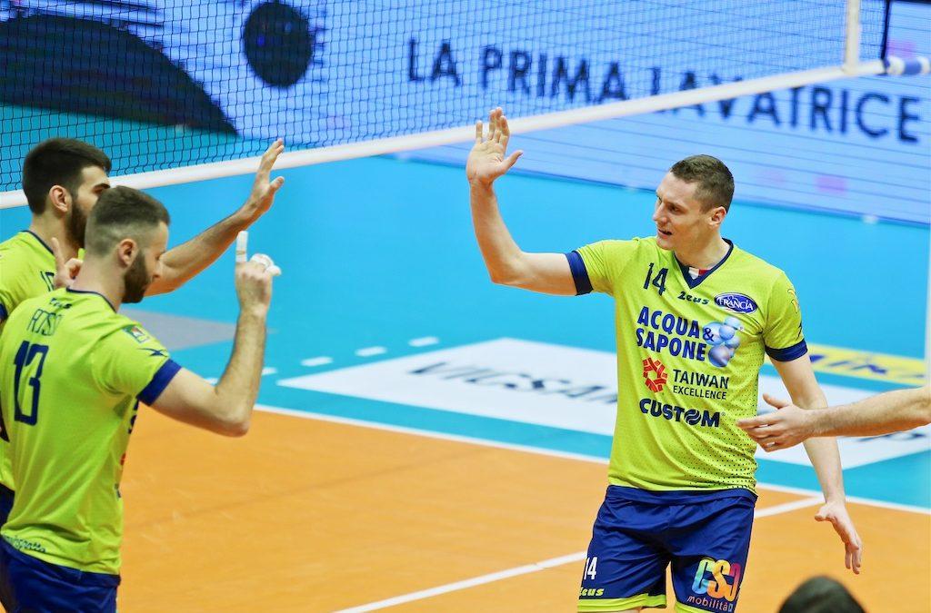 Comunicato stampa, la Top Volley Latina perde 3-1 in casa del Vero Volley Monza. L'anno solare si chiude con un ko in trasferta