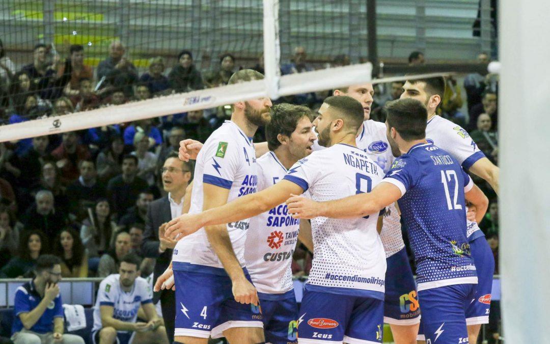 """La Top Volley Latina cede in casa con Trento. Tubertini: """"Ci hanno messo pressione come ci aspettavamo, sappiamo dove dobbiamo migliorare e ora ci concentriamo sulle prossime sfide""""."""