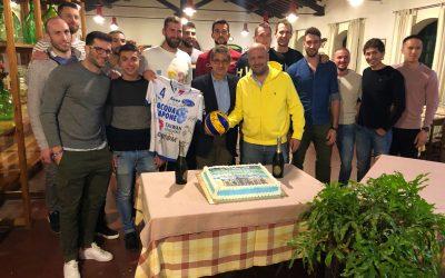 Cena di fine stagione per la Top Volley alla fattoria Prato di Coppola. Tra i giocatori anche Federico Tosi