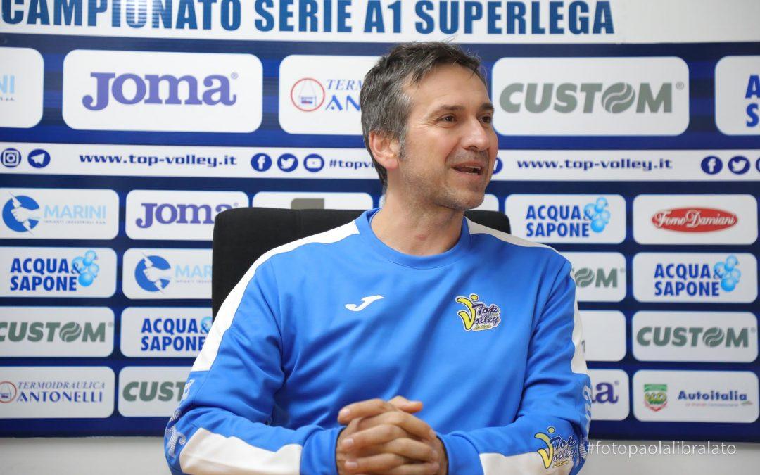 """Coach Tubertini analizza il momento della Top Volley: """"L'atteggiamento dei miei ragazzi mi riempie di gioia: dobbiamo sfruttare questa pausa"""""""