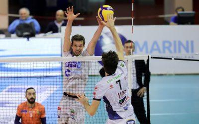 """La Top Volley combatte ma Trento la spunta in quattro set. Tubertini: """"Buono l'approccio, peccato per il primo set""""."""