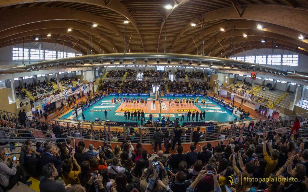Domani a Ravenna, Van Garderen «Questo gruppo ha un gran cuore». Il giorno dopo i giocatori delle due squadre insieme a scuola contro il bullismo