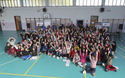 Il progetto etico #Accendiamoilrispetto di Top Volley e AbbVie davanti a 300 studenti insieme alla Consar Ravenna. Al Vincenzo Randi con Sottile, Saitta, Ter Horst e Bonitta.