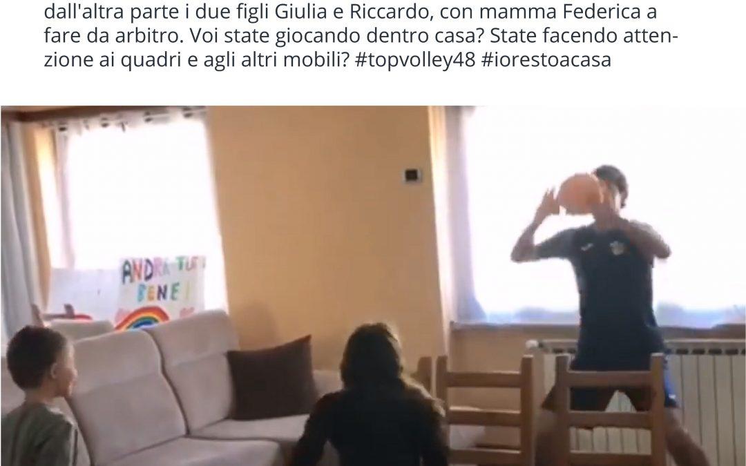 Coach Tubertini lavora con gli atleti in maniera interattiva. Nel video Sottile si allena a casa con i due figli e lancia un monito «Restate a casa»