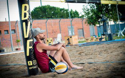 Mimmo Cavaccini lavora sulla sabbia «Mi manca molto il campo, a breve ripartiremo con la Top Volley Cisterna. La Nazionale? Ci penso sempre in maniera seria»
