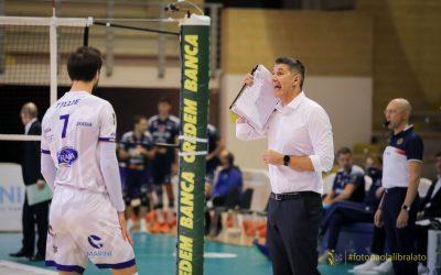 La Top Volley Cisterna domani (alle 18:00) recupera il match con la Lube. Kovac: «Situazione difficile, in casa della Lube affronteremo battitori molto forti»